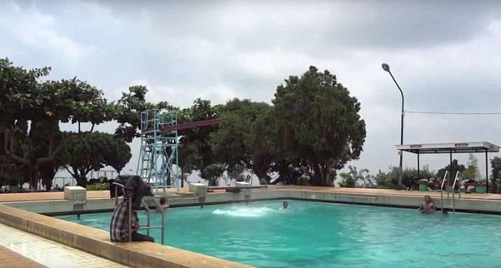 kolam renang jember