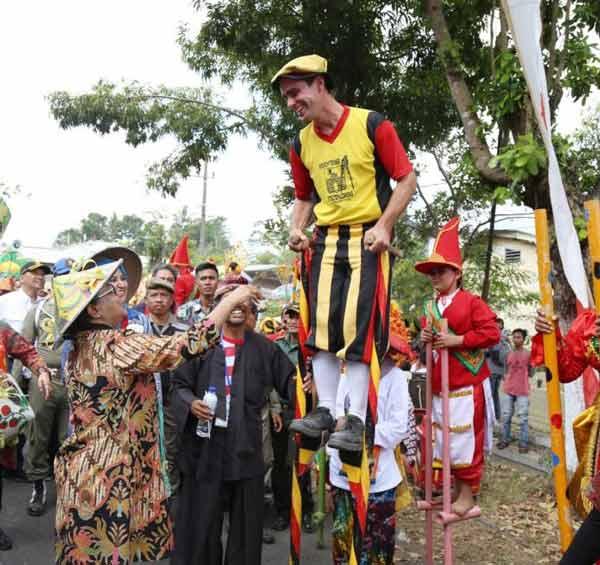 festival egrang tanoker