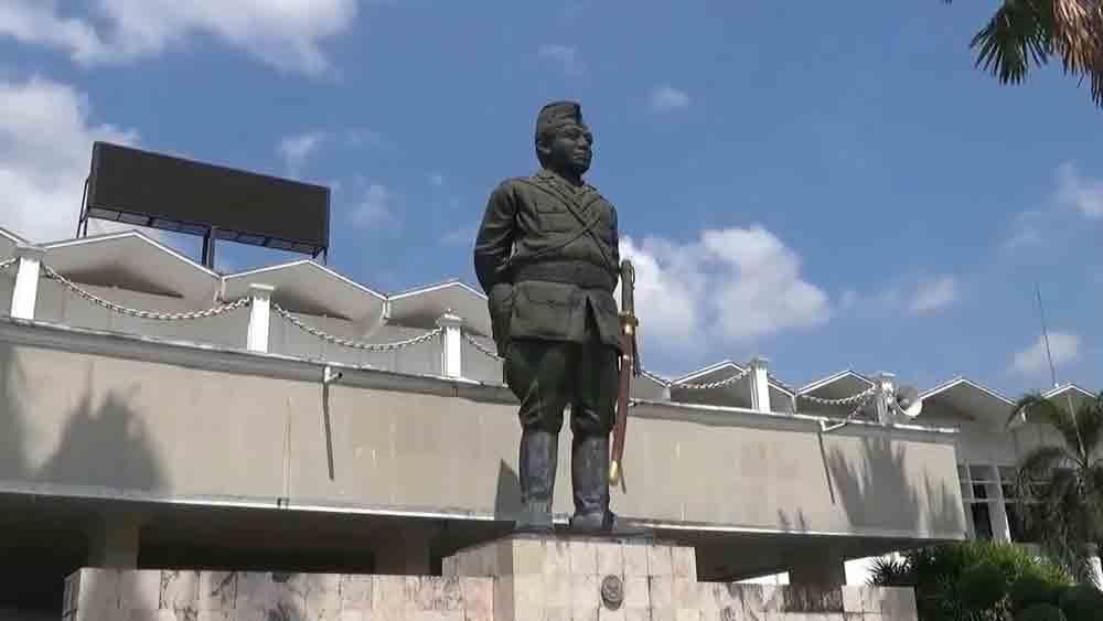 Patung Muhammad Sroedji