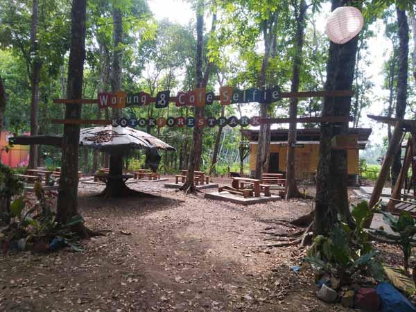 Warung & Cafe Selfie di Kotok Forest Park