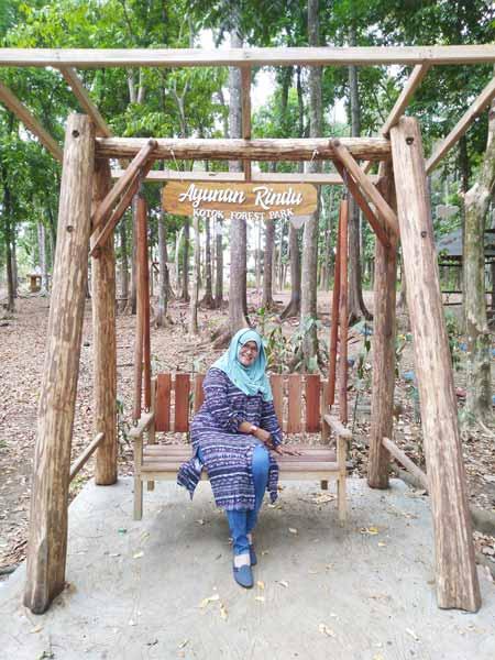 Cantiknya tante cantik satu ini - Kotok Forest Park