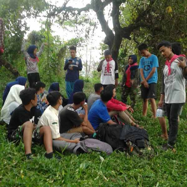 Pengisian Materi Outdor siswa pecinta alam sismadapala