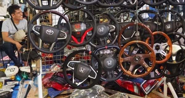 Onderdil Kendaraan pasar loak