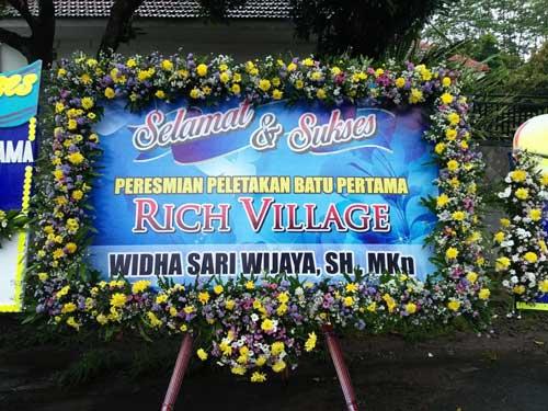 Karangan Bunga Dari Rich Village